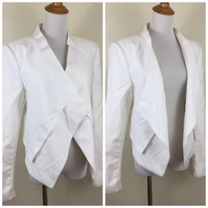 BCBGMAXAZRIA White Longer Front Open Blazer Jacket
